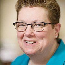 Elise Uhring headshot