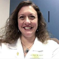 Lisa Roselli headshot